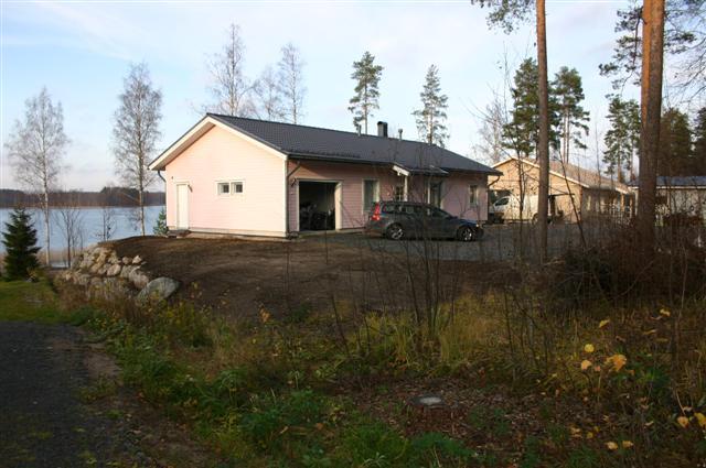 Myydään talo